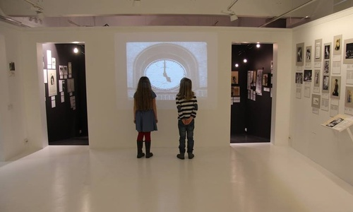 Theatre Of Carola Neher's life exhibition: classes for school students